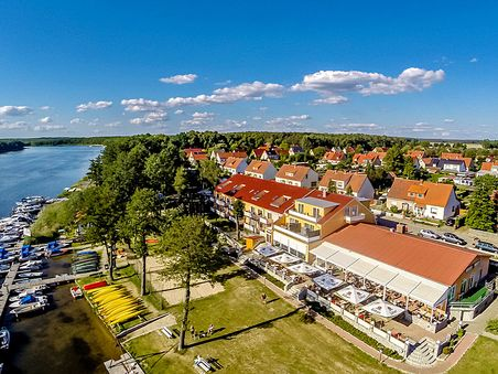 Strandhotel & Restaurant Mirow
