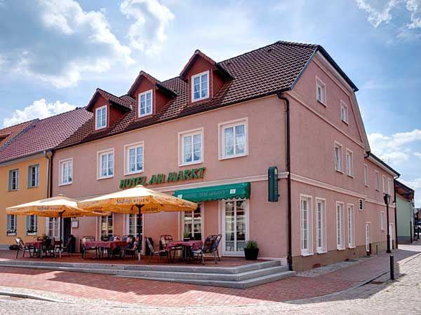 "Café & Restaurant Hotel ""Am Markt"""